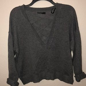 COZY GRAY CRISS CROSS SWEATER